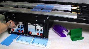 Процесс гибки оргстекла на специальном оборудовании