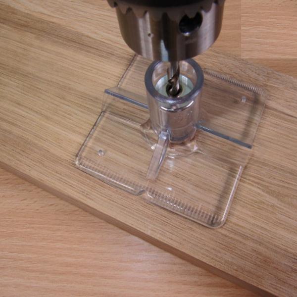 Процесс сверления оргстекла кольцевым сверлом